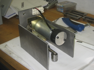 Motor für spanferkelgrill